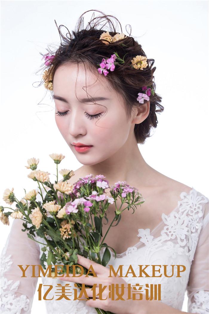 怀化化妆培训  亿美达鲜花新娘造型作品