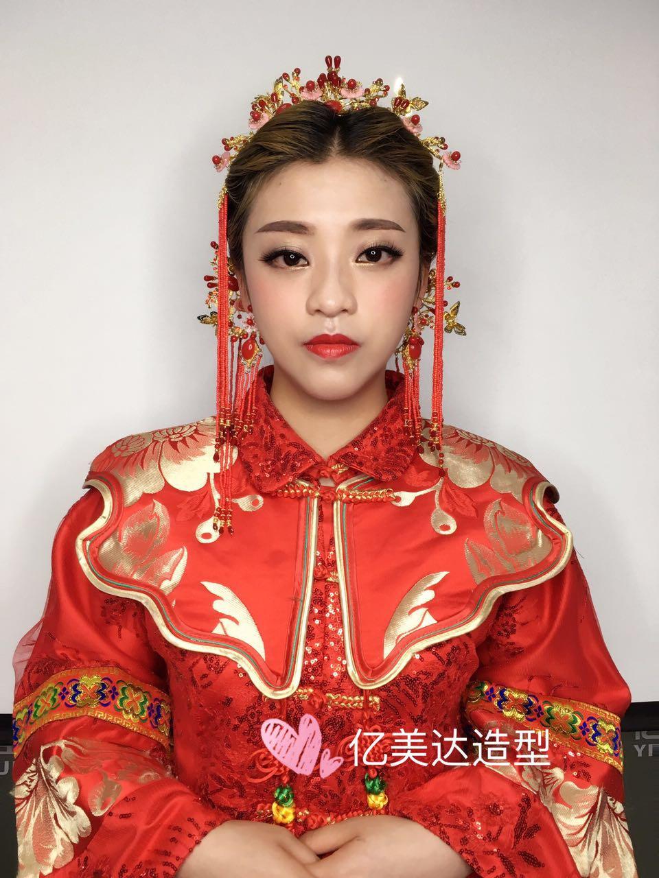 怀化化妆培训  亿美达秀禾新娘造型作品