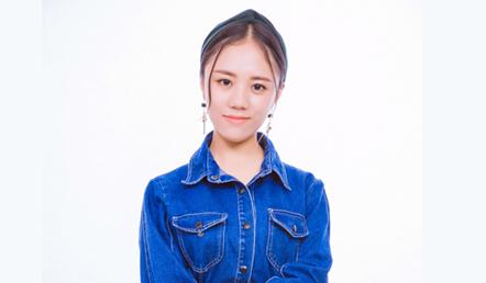 亿美达高级化妆导师——杨露