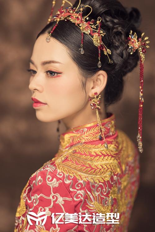 亿美达作品-秀和新娘化妆造型