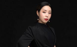 亿美达高级化妆美甲手工制作导师——木子